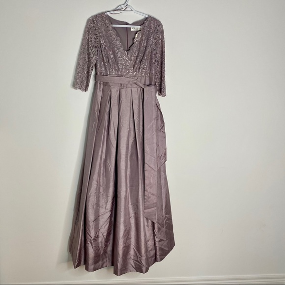 NWT   Eliza J. Full Length Gown Size 6